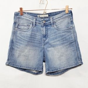 Levis*Mid Rise Medium Wash Shorts*Sz 4*
